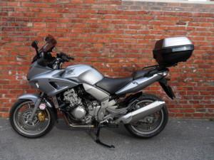 Honda CBF1000 Silver 001