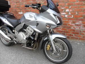 Honda CBF1000 Silver 009